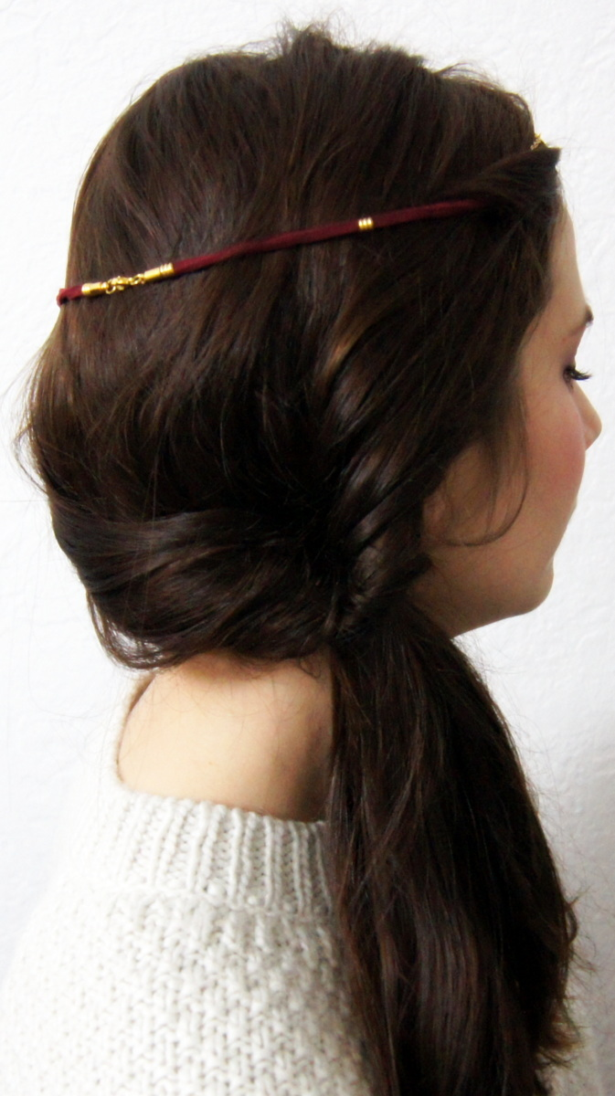 tuto une coiffure simple et jolie avec un headband glitter. Black Bedroom Furniture Sets. Home Design Ideas